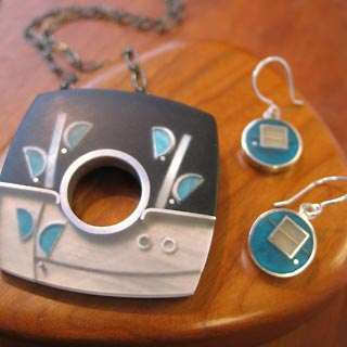 Jeweler Eileen Sutton featured at Mackerel Sky Gallery of Contemporary Craft